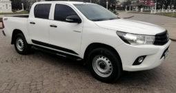 Toyota Hilux 2.4 4×4